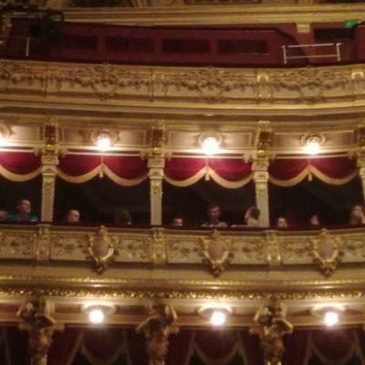 Klasy drugie w teatrze