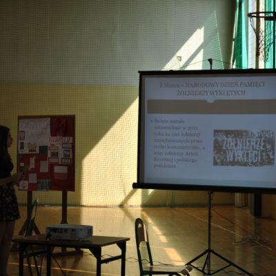 Projekt edukacyjny z historią w tle